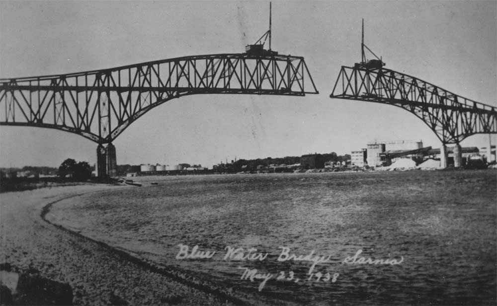 Black and white image of the Bluewater Bridge.